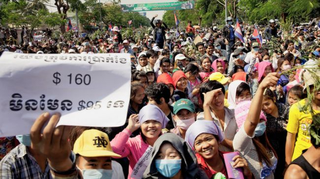 343020_Cambodia-Workers-Wage hike