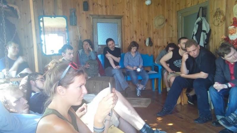 Во время встречи: выступают товарищи из РСД