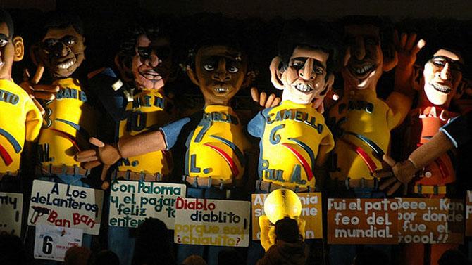 В Эквадоре существует традиция шить куклы называемые Años Viejos, которые представляют настоящих людей, чаще всего бесславных политиков