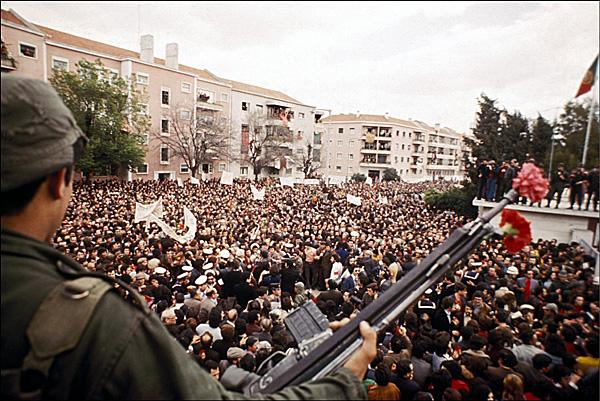 Революция гвоздик в Португалии, апрель 1974 года