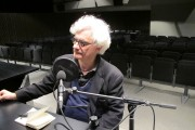 Franco_Berardi_(Bifo),_escriptor,_filòsof_i_teòric_dels_mitjans_de_comunicació,_durant_l'enregistrament_d'una_entrevista_per_Ràdio_Web_MACBA.