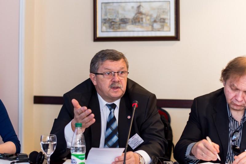 Сергей КАЛЯКИН во время работы конференции