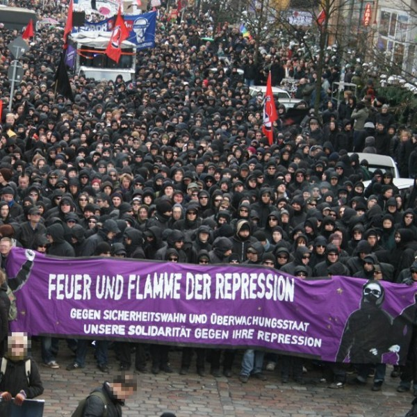 Black_Bloc_Hamburg