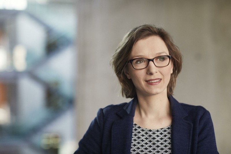 enno-kapitza-photographer-professor-dr-lisa-herzog-muenchen-tu-001.55800c4d.a22281b6