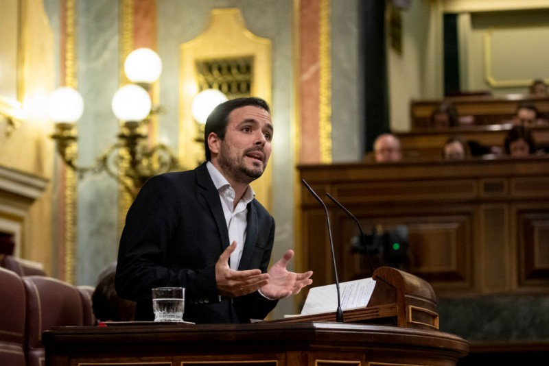 MADRID, SPAIN - JANUARY 04: Izquierda Unida (United Left) party leader Alberto Garzon speaks during the investiture debate at the Spanish Parliament on January 04, 2020 in Madrid, Spain. Spanish Socialist party (PSOE) won again the general elections last November 10th but they need support from other parties to make government in coalition with left wing party Unidas Podemos (United We Can). (Photo by Pablo Blazquez Dominguez/Getty Images)